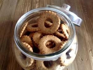 Foto biscotti ciambelline in vaso