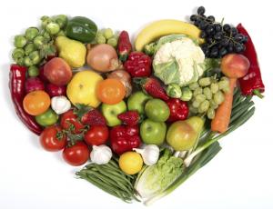 Cuore di verdure e frutta
